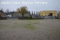 FERRARA CAPANNONE CON AMPIO SCOPERTO